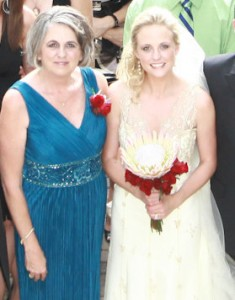 mom and wedding